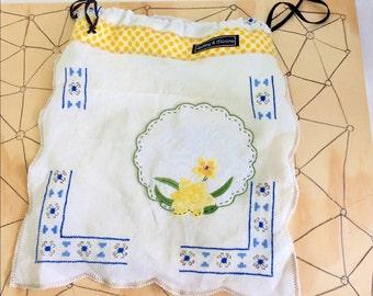 Daffodil draw string bag