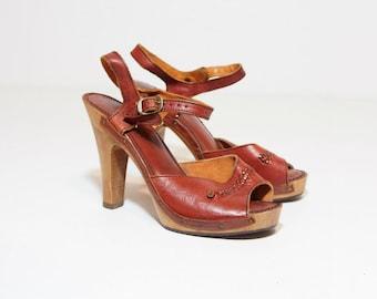 1970s Vintage Chunky Wooden Heels, Brown Leather Platform Pumps Size 7