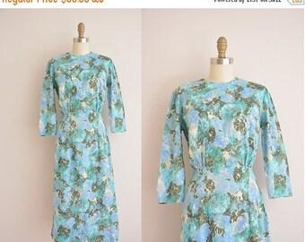 25% off SHOP SALE... vintage 1950s dress / 50s floral print dress / 1950s cotton dress
