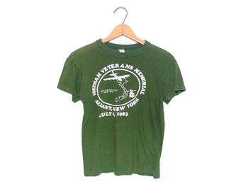 Vintage Vietnam Veterans Memorial Albany New York Army Green 100% Cotton T-shirt - Small (OS-TS-25)