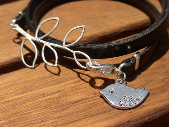 bird bracelet, Mother's Day gifts, Mothers day, black bracelet, silver bracelet, gifs for mothers, mothers gift ideas, best mom gifts
