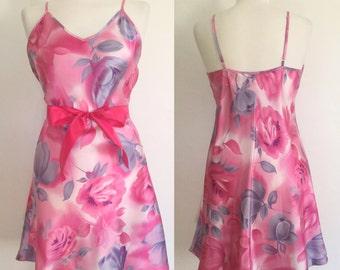 Vintage 80s / Hot Pink / Rose / Floral Print / Boudoir / Nightie / Babydoll / Medium