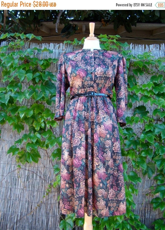 ON SALE Vintage 80s / Tabby / Floral and Roses /Puffed Sleeves / Day Dress / MEDIUM