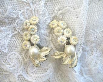 Vintage Plastic Flower & Rhinestone Earrings ~ White Flowers ~ Clip On ~ Ear Climbers