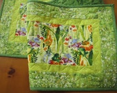 Handmade Quilted Table Runner, Tablerunner with Frogs, Homemade Table Runner, Nature Table Runner, Table Quilt, Table Linen, Home Decor