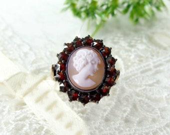 Bohemian garnet ring with shell cameo    ГРАНАТ 066 E#PK