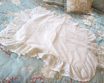 Vintage Eyelet Pillow Shame in Ivory