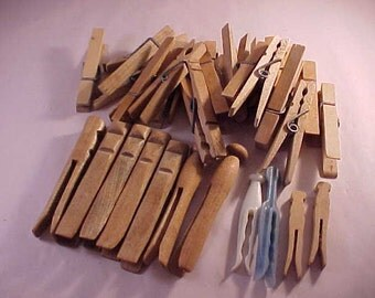 34 Wood and Plastic Clothes Pins