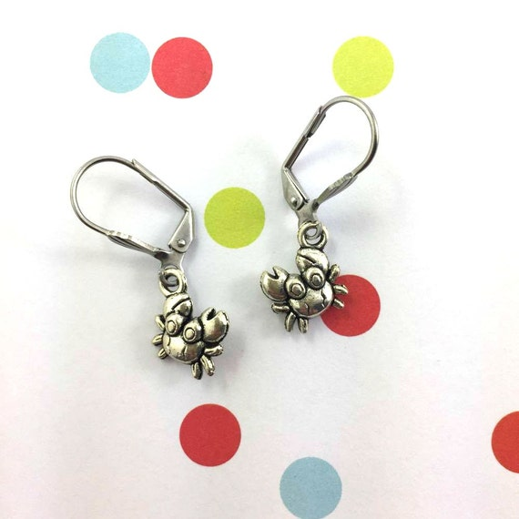 little light crab silver metal earring charm on hypoallergenic stainless steal hook, les perles rares
