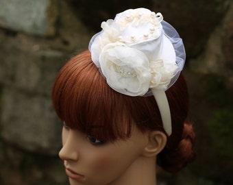 Mini Hat, White Top Hat, Wedding Top Hat, Bachelorette Party, Bridal White Hat, Flower Fascinator, Flower Girl Hat