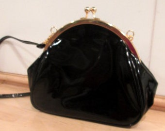 Vintage Patent Leather Purse.  Patent Leather Shoulder Bag.  Crossbody Bag.