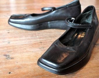 Vintage 1990s Prada Mary Janes // 90s Designer Chunky Black Heels // DIVINE