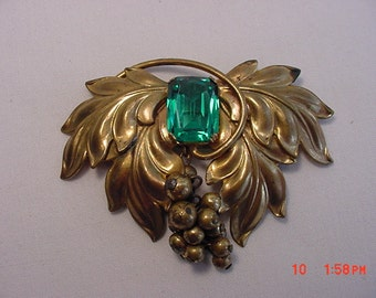 Vintage Leaf And Berry Brooch   16 - 471