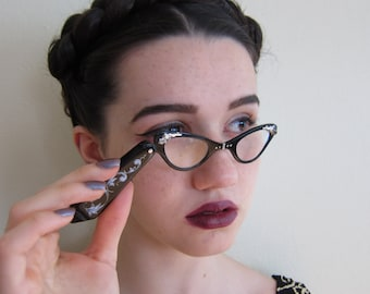 Vintage 1950s Lorgnette in Black and Silver / 50s Folding Opera Glasses with Etched Decoration Hand Painted