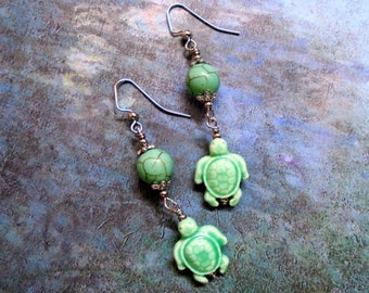 Mint Green Sea Turtle Earrings (2834)