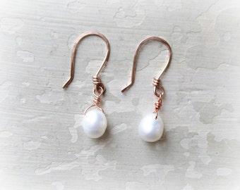 Rose Gold Earrings, Freshwater Pearl Drops, White Pearl Earrings, Wedding Jewelry, Natural Pearl Earrings, Bridal Jewelry, Rose Gold Dangles