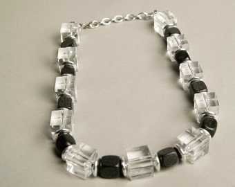 Lucite Plastic Necklace Clear Translucent Beads Wooden Black Cube Beaded Necklace Art Deco Modernist True Vintage Jewelry artedellamoda