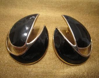 Vintage Trifari Black Enamel on Goldtone Pierced Earrings
