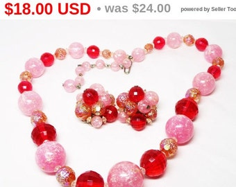 Pink Beaded Necklace Earrings Set - 1950's Mid Century Mod Glitter and Faceted Beads - Valentines Day