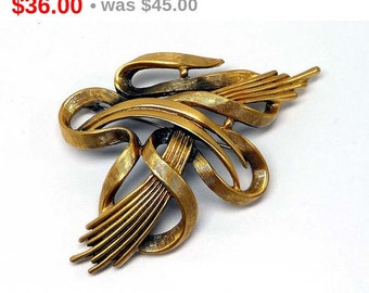 Signed Tortolani Abstract Brooch, Vintage Goldtone 1970's Retro