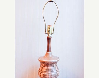 Brown Vintage Lamp with Weave Pattern,  Tiki Style Table Lamp, Vintage Lighting, Mid Century Modern, Ceramic Lamp, Tropical Home Decor