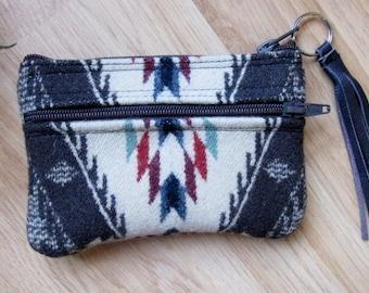 Grab N Go Essentials Zipper Purse Sunglasses Wallet Coin & Card Case Spirit of the People Pattern Southwest Clutch 6 x 4
