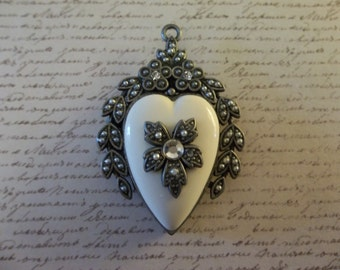 Vintage Style Heart Locket Pendant - Rhinestone Jewel on Front - Glass Back for Photo Memento - Ivory & Antiqued Silver - Qty 1