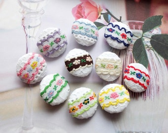 Fabric Covered Buttons(M) - Chic Embroidery Shabby Chic Colorful Spring Floral Lace On White, 10 Colors To Choose (5Pcs, 0.87 Inch)
