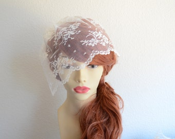 SALE Bridal Lace Ivory Veil, Top Seller Ivory Lace Birdcage veil,Small Lace Veil, Ivory Mini Veil,Vintage Chantilly Lace veil, Petite veil