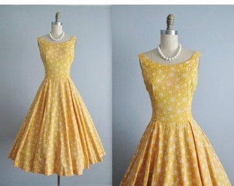 STOREWIDE SALE 50's Novelty Print Dress // Vintage 1950's Novelty Folk Print Cotton Full Casual Dress M