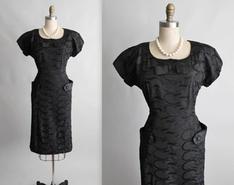50's Cocktail Dress // Vintage 1950's Embroidered Black Taffeta Fitted Cocktail Party Dress L