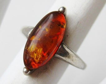 Vintage Ring Baltic Amber Cabochon Sterling Silver Ring size 5