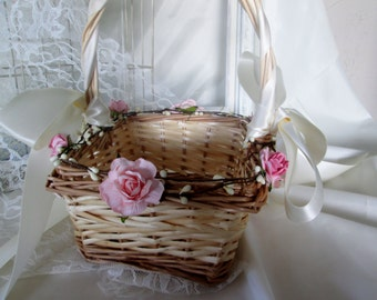Rustic Flower girl basket, woven flower girl basket.  Shabby chic wedding accessory. Country, Barn or outdoor wedding