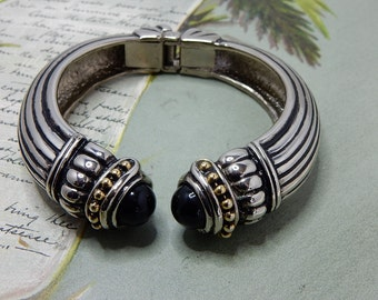 Ribbed Silver Hinged Clamper Bracelet w/ Black Cabochon Ends    NDE20