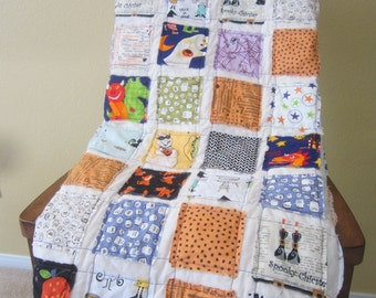 Boo.............A Halloween Fray Edge Quilt....Ready to Ship