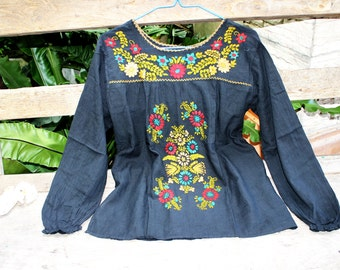M-L Long Sleeves Bohemian Embroidered Top - Black