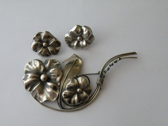 Sterling silver pansy flower brooch, pin, screw-back earrings.  Set.
