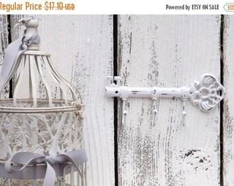 WHITE Key Hook  / Wall Hook / Skeleton Key Rack /Iron Wall Hook /  Shabby Chic Decor