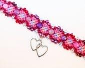 Valentine themed hemp bracelet with seed beads and hearts charm, macrame, micromacrame, hippie, hemp jewelry, pink, music festivals