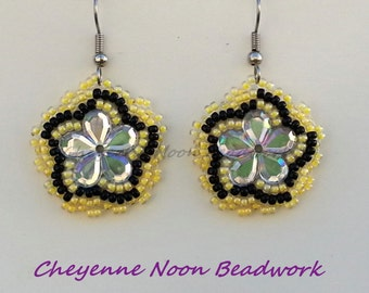 Native American Beaded Earrings - Flowers - Sun Glow