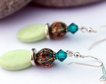 Louloudia - short, lightweight budget earrings with vintage lucite, enameled brass beads and Swarovski crystal