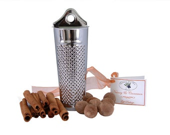 Nutmeg & Cinnamon Gift Package with Grater