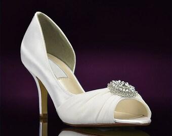 "Custom Color Wedding Shoes, Pretty Wedding Shoes, Bridal Shoes,Womens Bridal Shoes, 250 Colors, Dyed Wedding Shoes, 2 1/2"" Bridal Shoes"