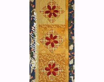Daisy Table Runner, 4931-0, flower Table Runner, Pieced Table Runner, quilted table topper, quilted table decoration