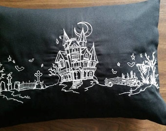 Halloween pillow,haunted house