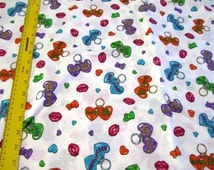 """ViNTAGE BEST FRIENDS PRiNT WHiTE COTTON KNiT 62"""" wide Sold by the yard"""