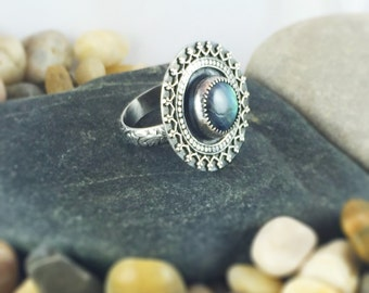 Mandala Labradorite ring, Lacy silver ring, green labradorite ring