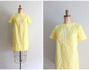 vintage 60s yellow sheath dress - daisy chain trim / 60s mod dolly dress - short sleeve dress / vintage bridesmaid dress - lolita