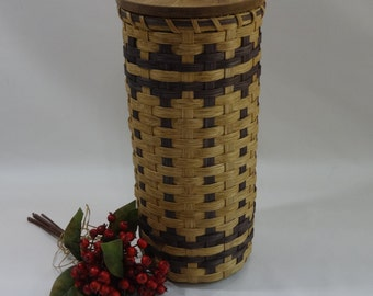 Bathroom Tissue Basket-Toilet Paper Basket- Round Basket- Handwoven Basket- Basket with a Lid