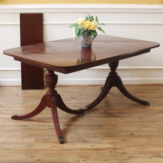 Reduced vintage duncan phyfe dining table mahogany for Duncan 5 dining room table